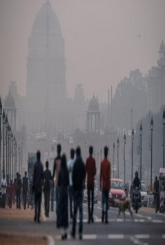 people suffering smog