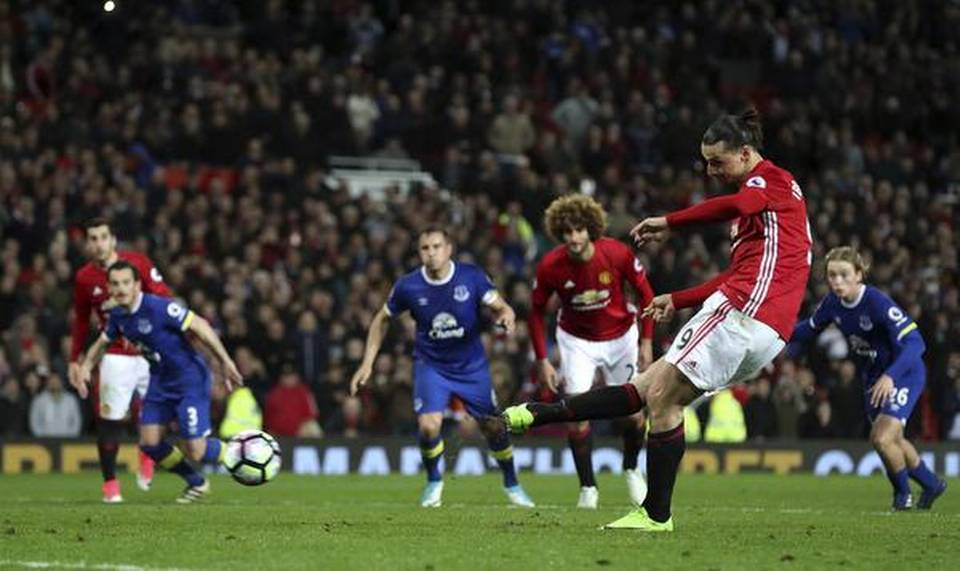 Ibrahimovic saves Man Utd, Leicester surge on