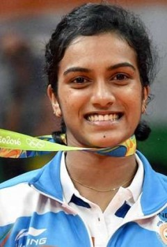 Actor-producer Sonu Sood to make biopic on PV Sindhu