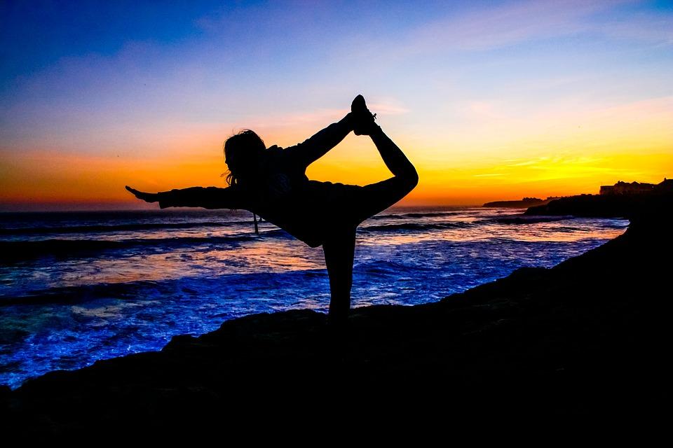 yoga-2184811_960_720