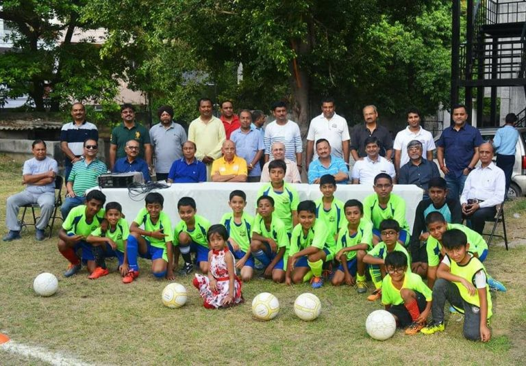 Starting special football training for ninth footballers