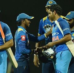 MS Dhoni-Bhuvi tango comes to the rescue