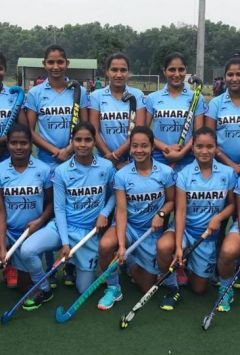 Women's hockey team completes South Korean derby with a draw