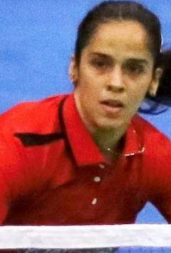 Saina Nehwal,PVSindhu advance in Hong Kong Open badminton