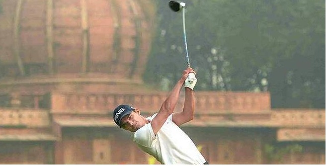 Ajeetesh takes day's honours